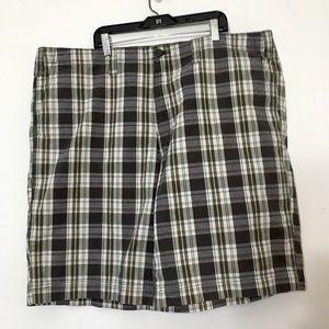 Eddie Bauer Green & Grey Men's Plaid Shorts 42